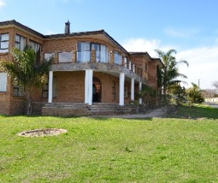 R 2,799,000 - 5 Bed Property For Sale in Sonstraal Heights