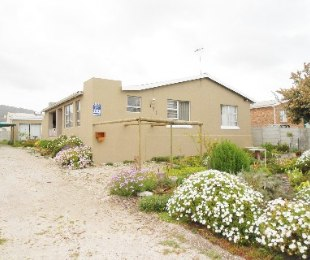R 1,350,000 - 4 Bed House For Sale in Die Kelders