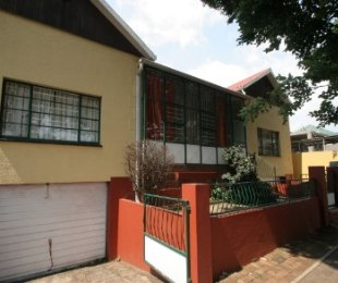 R 899,000 - 5 Bed House For Sale in Bezuidenhout Valley