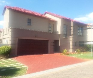 R 4,800,000 - 4 Bed Property For Sale in Ormonde