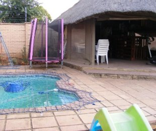 R 900,000 - 3 Bed Property For Sale in Rooihuiskraal North