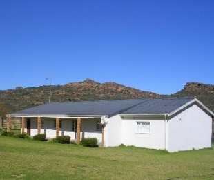 R 3,600,000 - 3 Bed Farm For Sale in Redelinghuys