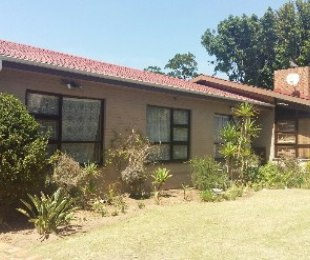 R 2,300,000 - 4 Bed Home For Sale in Stellenberg