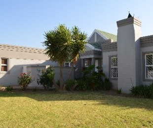 R 2,650,000 - 3 Bed House For Sale in The Crest