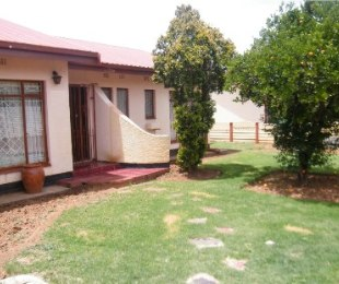 R 1,200,000 - 4 Bed Home For Sale in Riebeeckstad