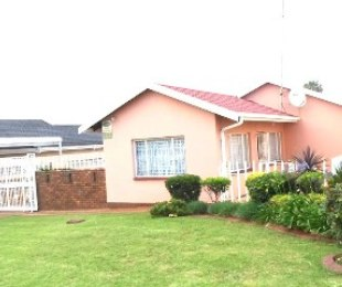 R 675,000 - 3 Bed Home For Sale in Lenasia