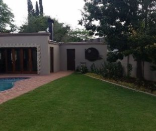 R 2,750,000 - 4 Bed Home For Sale in St Helena