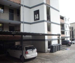 R 895,000 - 2 Bed Property For Sale in Solheim