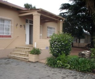 R 875,000 - 3 Bed Home For Sale in Fishers Hill