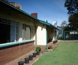 R 1,050,000 - 3 Bed Property For Sale in Marlands