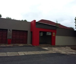 R 1,200,000 - 4 Bed Property For Sale in Jeppestown