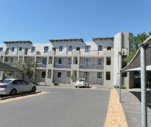 R 7,850 - 2 Bed Apartment To Let in Burgundy Estate