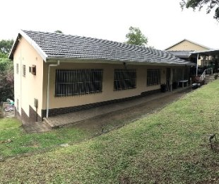R 1,200,000 - 4 Bed House For Sale in Yellowwood Park