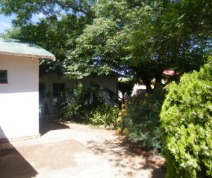 R 711,000 - 3 Bed House For Sale in Doorn