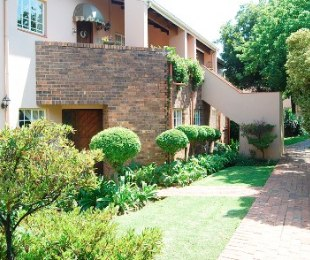 R 15,000 - 3 Bed Flat To Rent in Atholl