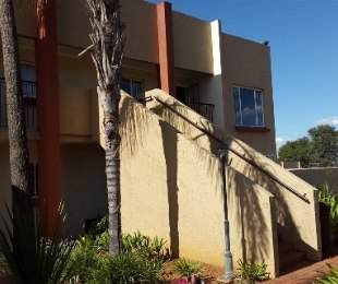 R 430,000 - 2 Bed Flat For Sale in Dorandia