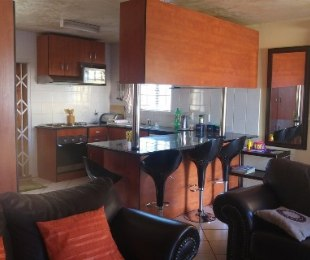 R 890,000 - 3 Bed Property For Sale in Akasia