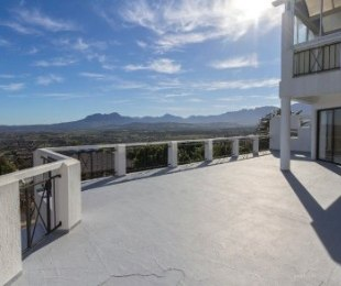R 4,950,000 - 4 Bed Property For Sale in Gordon's Bay