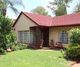 R 1,900,000 - 3 Bed Property For Sale in Clubview