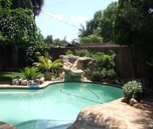 R 2,600,000 - 3 Bed Home For Sale in Bronberrick
