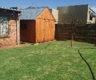 R 1,300,000 - 3 Bed Home For Sale in Rhodesfield