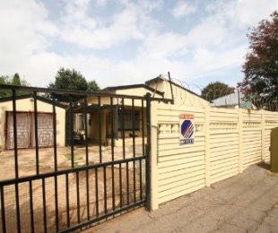 R 830,000 - 4 Bed House For Sale in Primrose