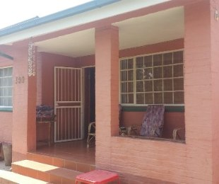 R 890,000 - 2 Bed House For Sale in Akasia