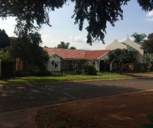 R 1,800,000 - 4 Bed Property For Sale in Amandasig