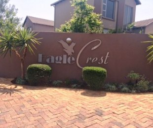 R 15,900 - 3 Bed Property To Rent in Eagle Canyon Golf Estate