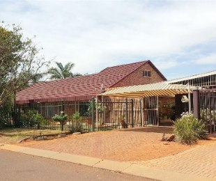 R 1,400,000 - 4 Bed Home For Sale in Chantelle