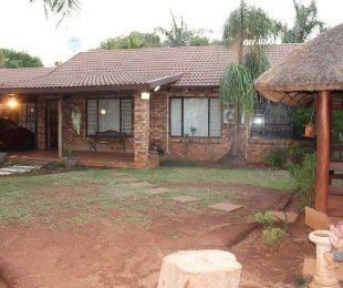 R 1,182,500 - 3 Bed House For Sale in Dorandia