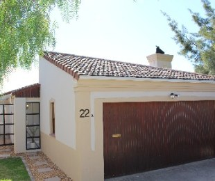 R 2,175,000 - 3 Bed House For Sale in Durbanville