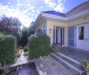 R 3,995,000 - 4 Bed House For Sale in Paarl