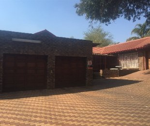 R 2,480,000 - 4 Bed Home For Sale in Ninapark