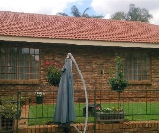 R 2,380,000 - 3 Bed Property For Sale in Ninapark