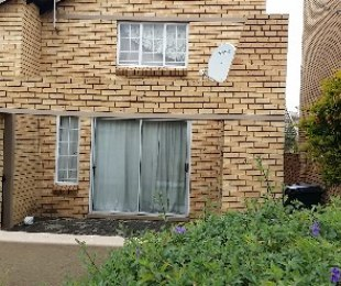 R 750,000 - 1 Bed Flat For Sale in Boskruin