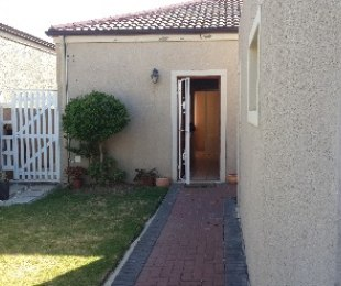 R 765,000 - 2 Bed Property For Sale in Gordon's Bay