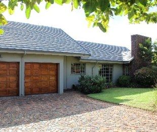 R 2,300,000 - 3 Bed Property For Sale in Farrarmere