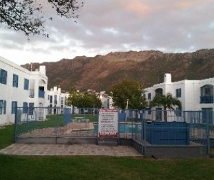 R 1,295,000 - 3 Bed Property For Sale in Gordon's Bay Central