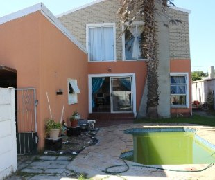 R 1,449,000 - 5 Bed Property For Sale in Kraaifontein