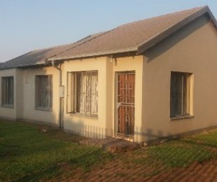 R 750,000 - 2 Bed House For Sale in Theresapark