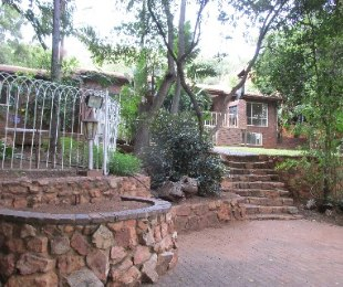 R 2,100,000 - 4 Bed House For Sale in Florauna