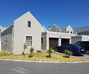 R 1,235,000 - 3 Bed Property For Sale in Gordon's Bay