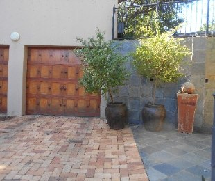 R 2,200,000 - 4 Bed Property For Sale in Florauna