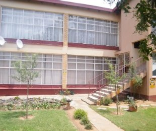 R 438,000 - 2 Bed Property For Sale in Welkom