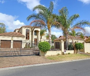 R 4,750,000 - 4 Bed Property For Sale in Sonstraal Heights