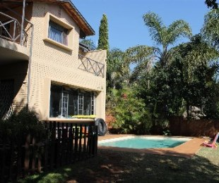 R 1,950,000 - 4 Bed Property For Sale in Florauna