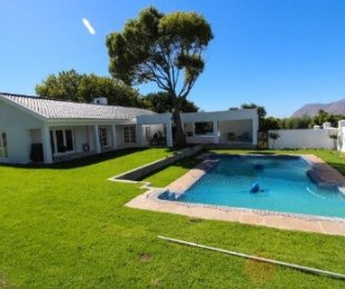 R 13,995,000 - 3 Bed House For Sale in Constantia Upper