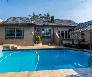 R 1,550,000 - 5 Bed Home For Sale in Wilro Park
