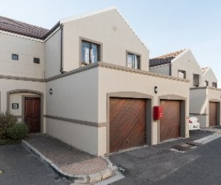R 1,195,000 - 3 Bed Apartment For Sale in Protea Heights